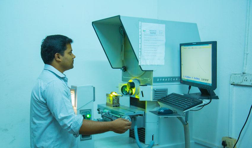 Automatic Profile Projector